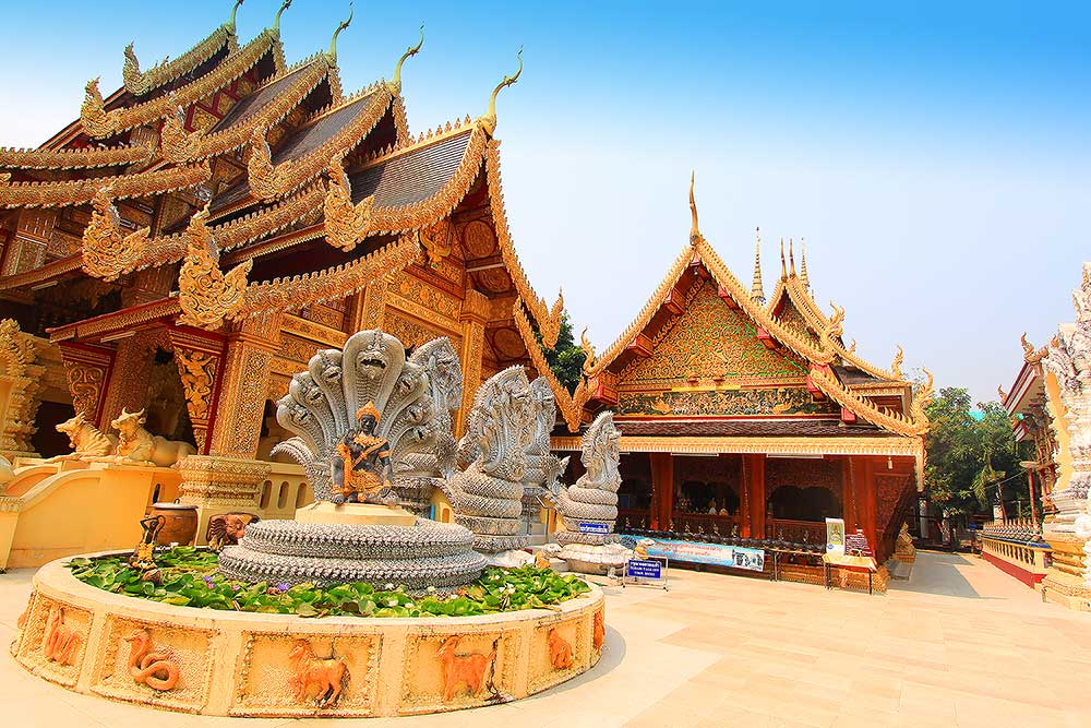 beautiful-temple-in-lamphun